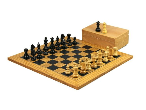 olive chess set ebonised german staunton chess pieces