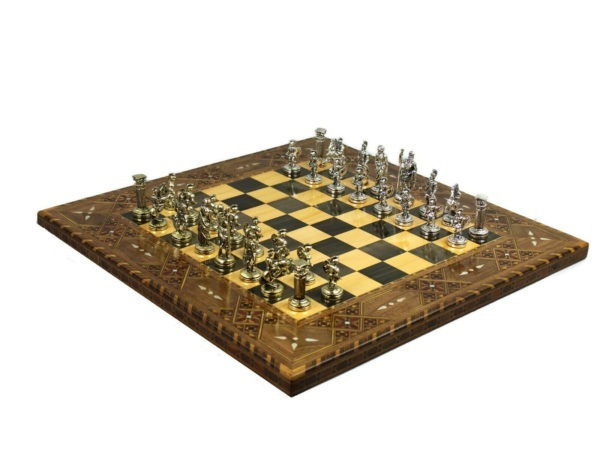 Dawn chess set with metal roman chess pieces