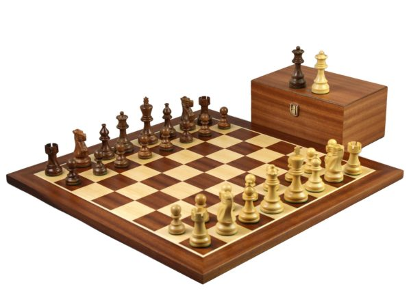 mahogany staunton chess set with classic staunton chess pieces
